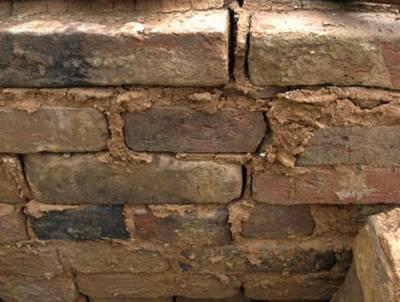 Как замазать трещины в печи шамотной глиной. Чем замазать печку, чтобы не трескалась – народные и современные методы